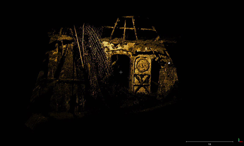 3D scan of the starboard flybridge with the open door into the bridge. The scan shows one of the many fishing nets entangled in the wreck.