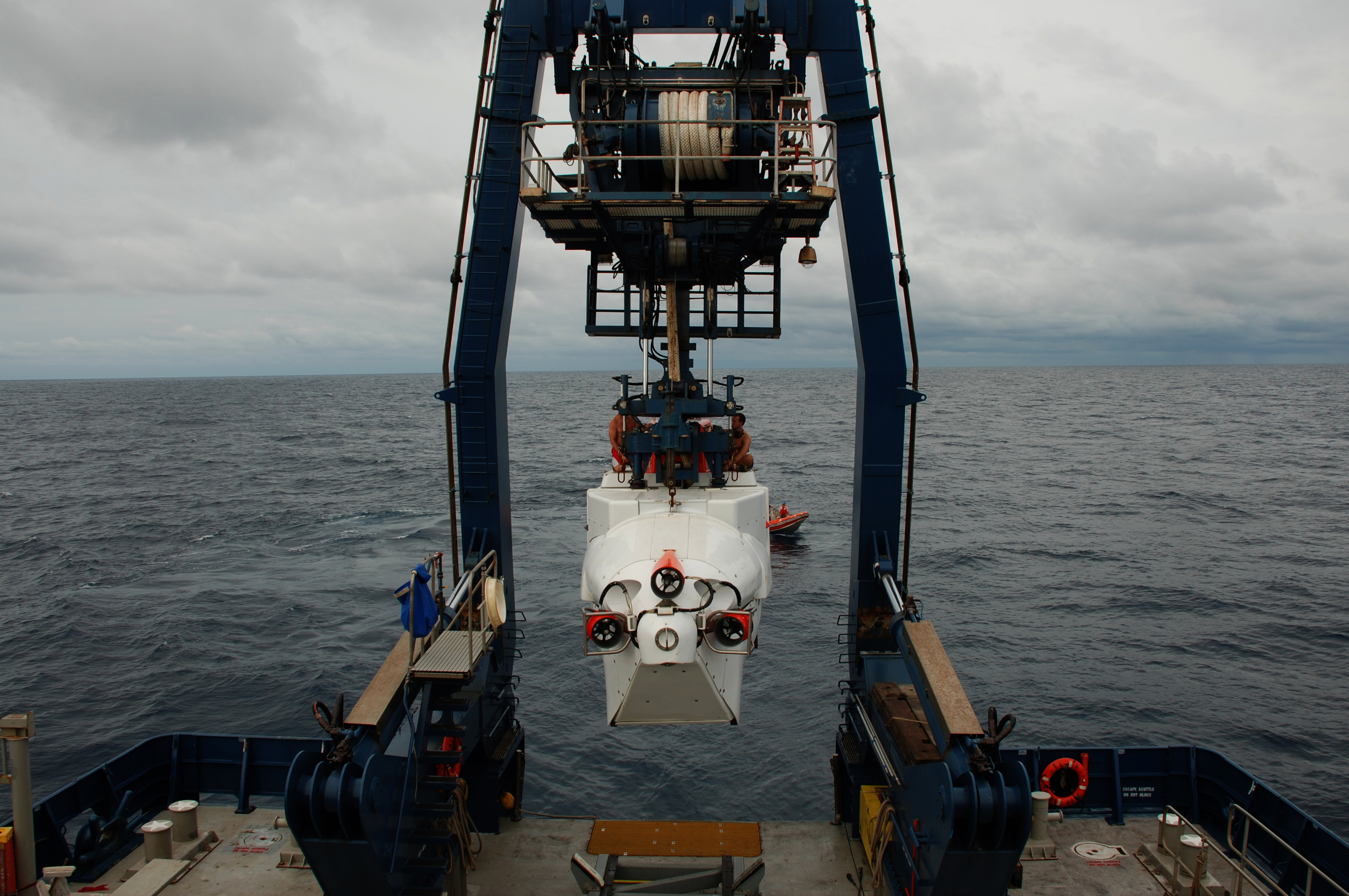 Human Occupied Vehicle Alvin Technology Submersibles Noaa Office Fantastic 6500r Vent Wiring Diagram Swimmers Todd Litke And Drew Bewley Sit Atop As Its Lowered From The A